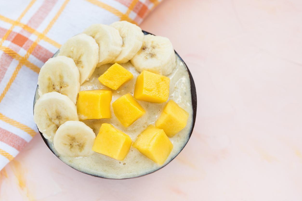 Eis mit Bananen und Mango