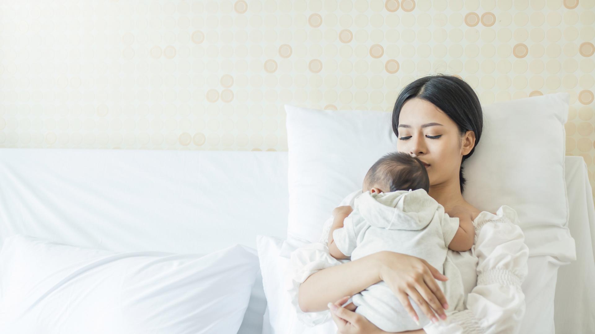 Frauen nach der Familienplanung fragen