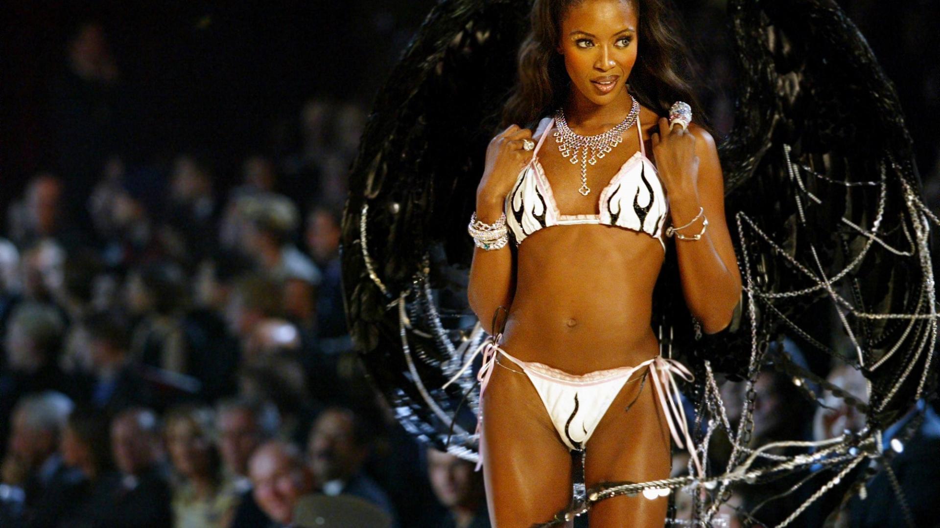 Model Naomi Campbell Victorias Secret Modenschau in New York