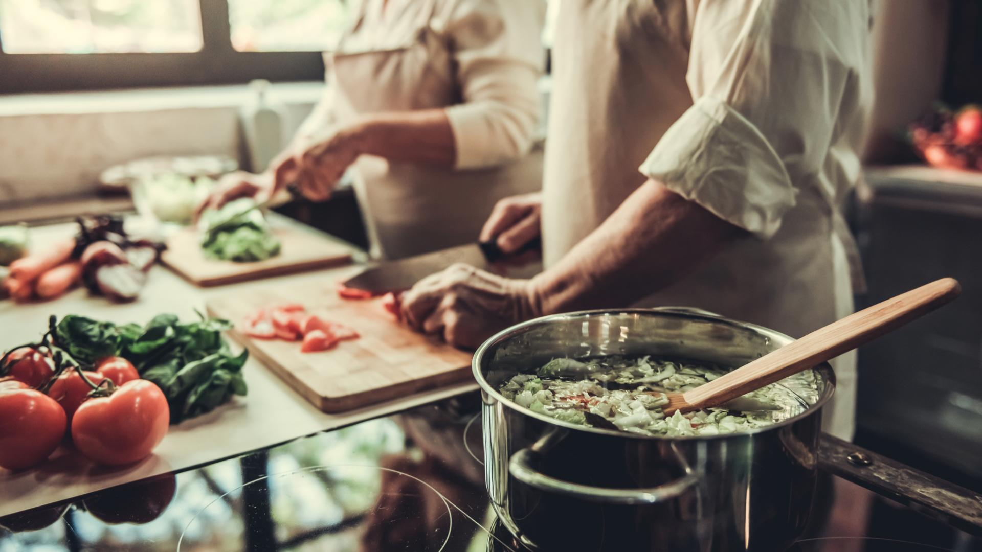 Ehepaar kochen Küche
