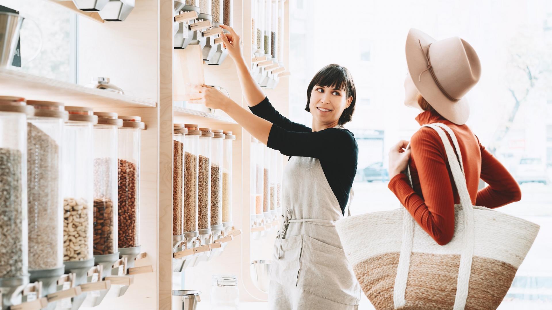 Frauen Einkaufen Gewürze