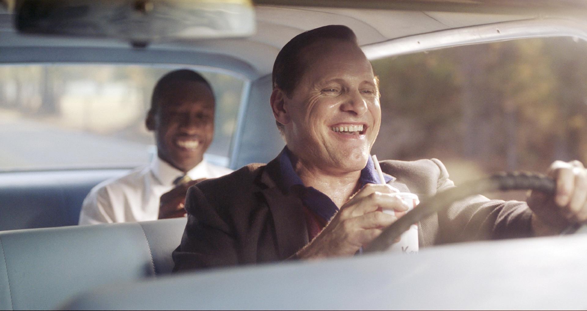 Schauspieler Viggo Mortensen und Mahershala Ali im Auto