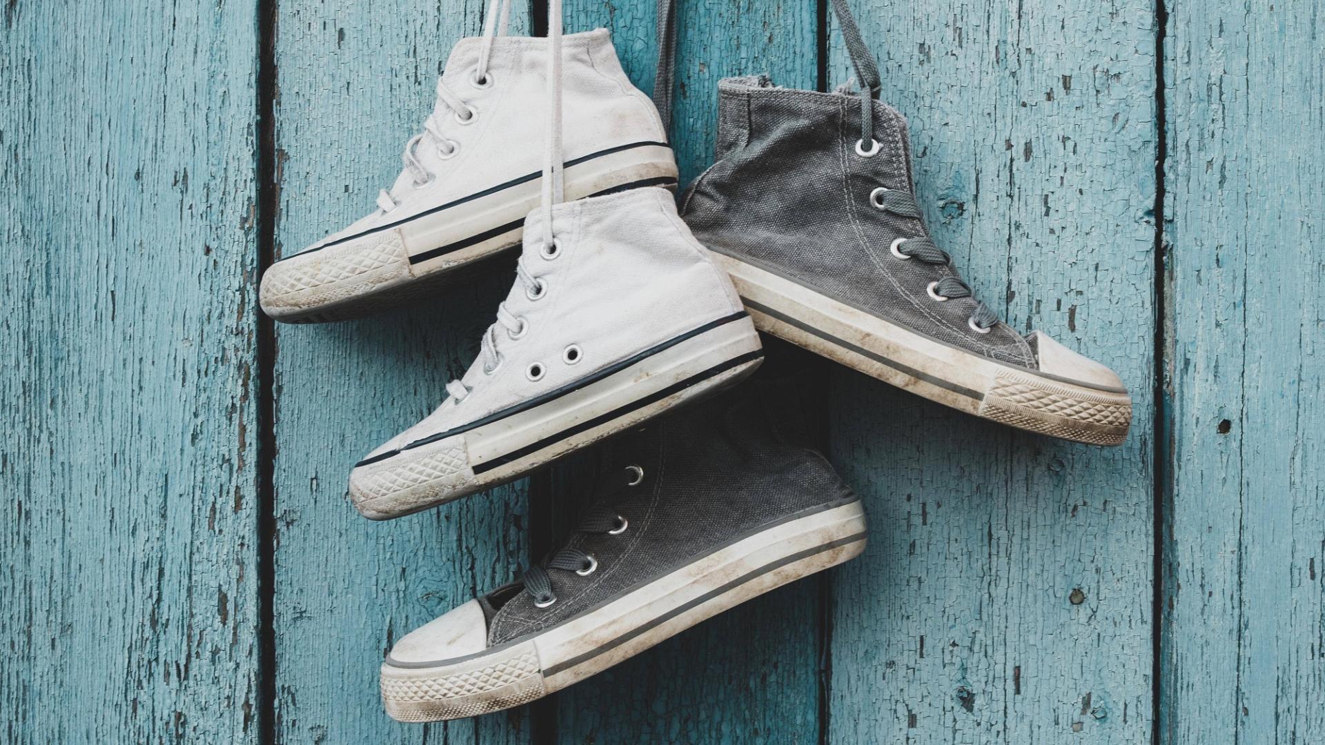 Chucks Sneaker reinigen hängen dreckig