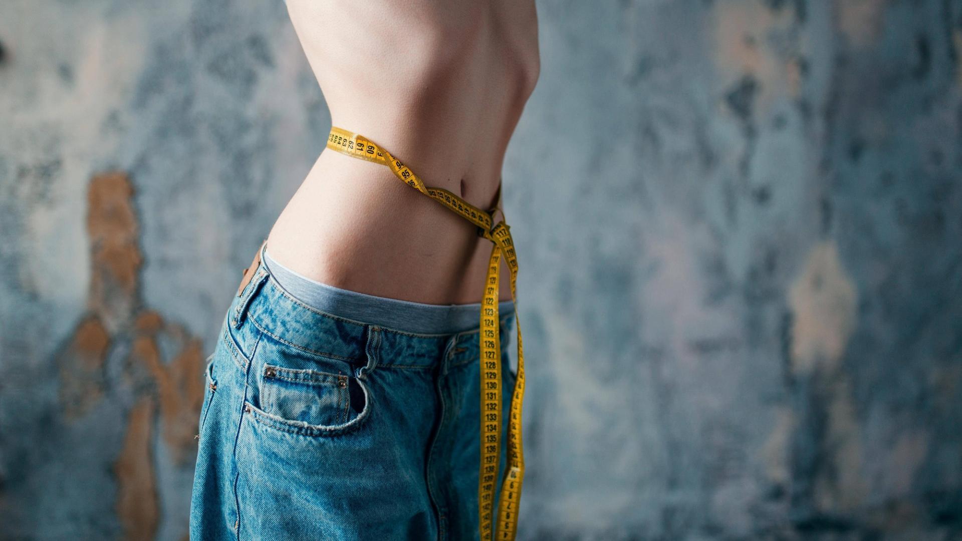 Ursachen Essstörungen, Magersucht, Bulimie, dünn, krank