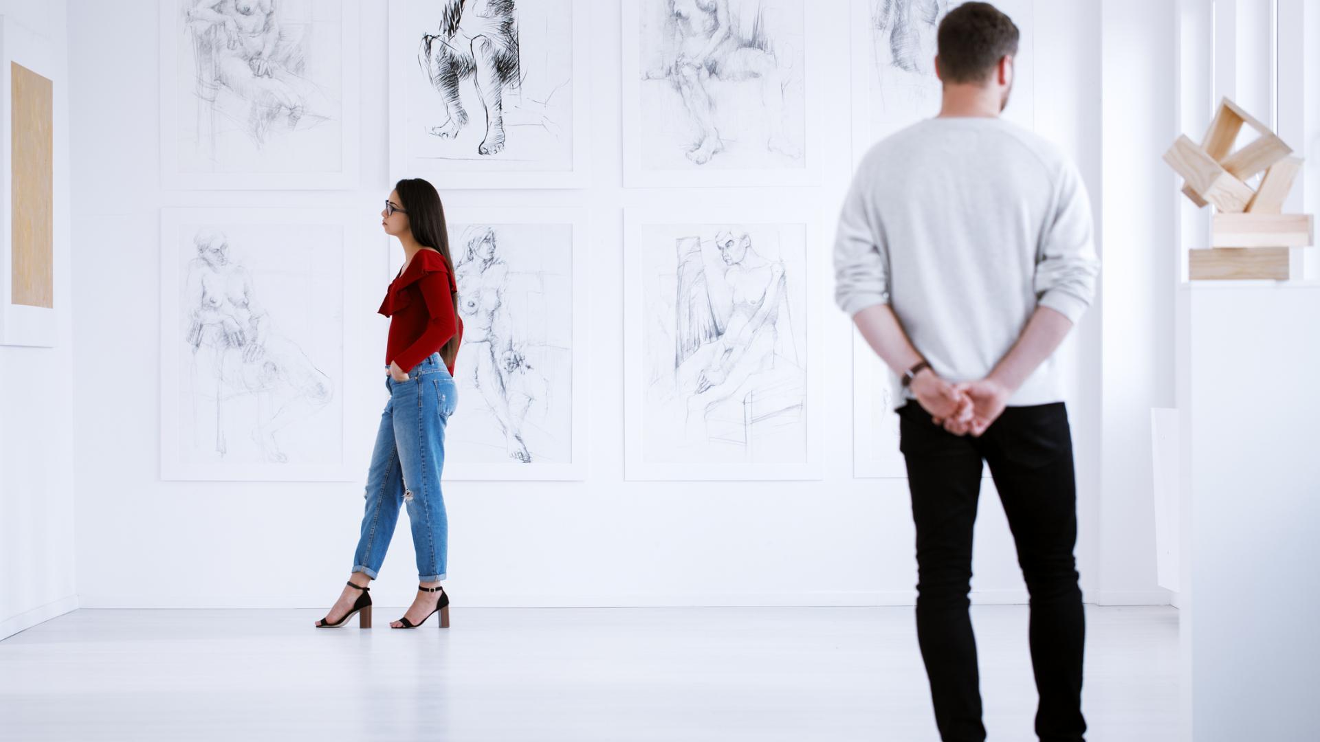 Kunstausstellung frau mann vernissage