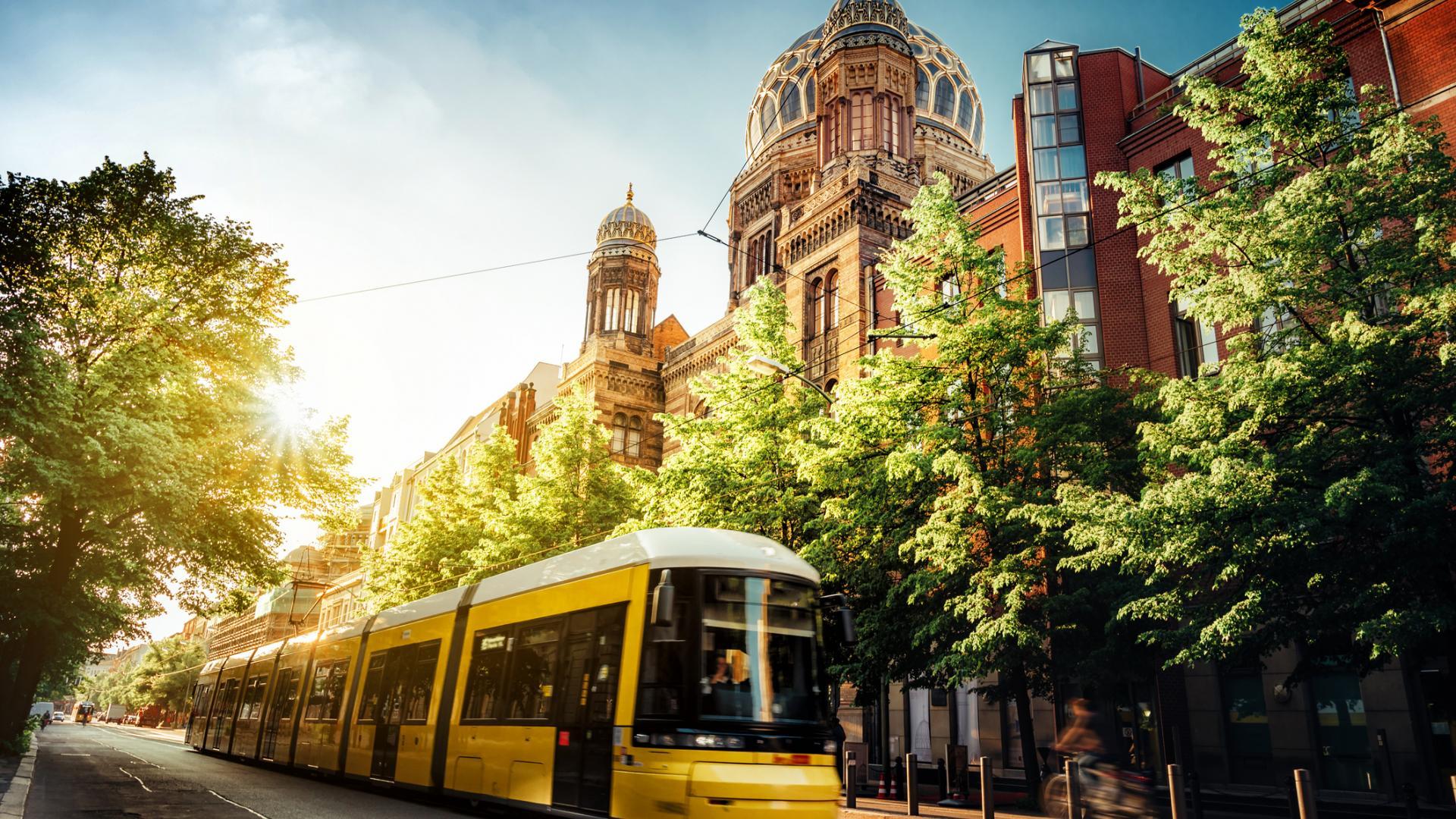 Tram, öffentliche Verkehrsmittel