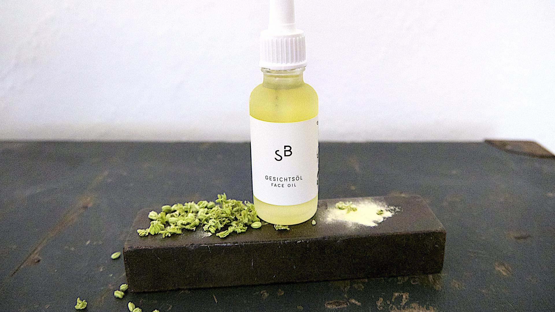 bakuchiol studio botanic face oil