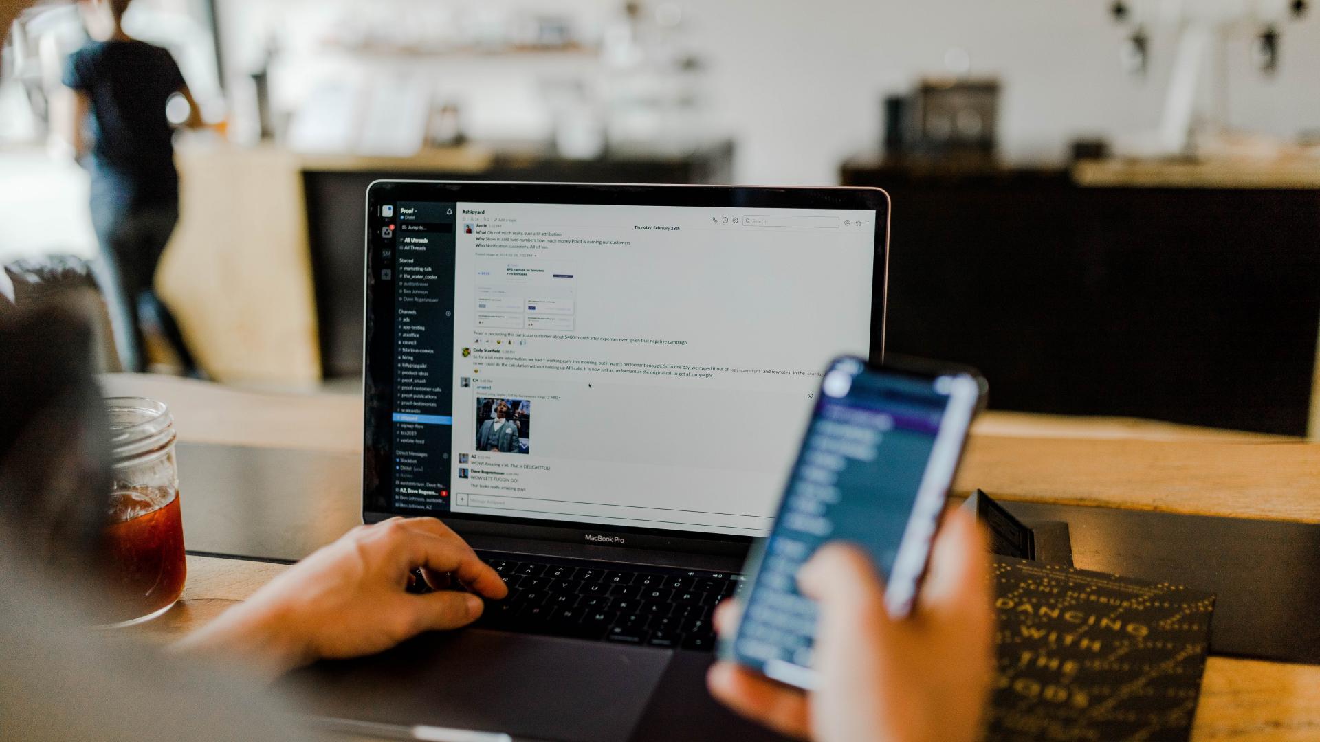 Daten arbeiten Online busness