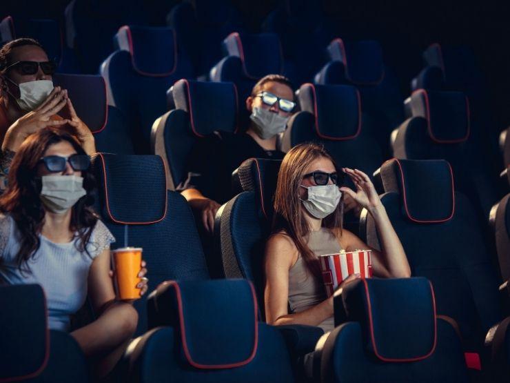 Frau Maske Kino