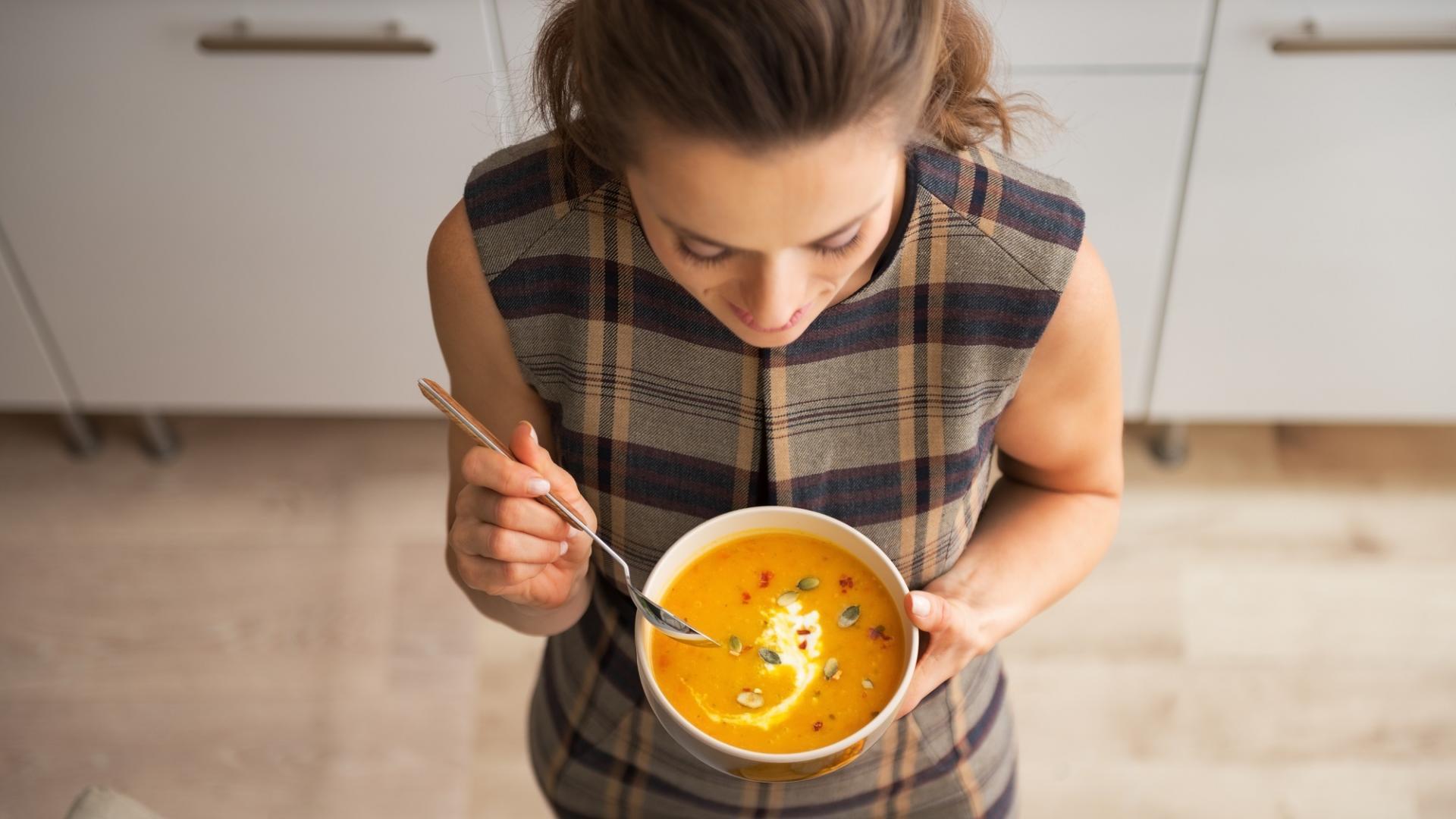 Frau, Suppe