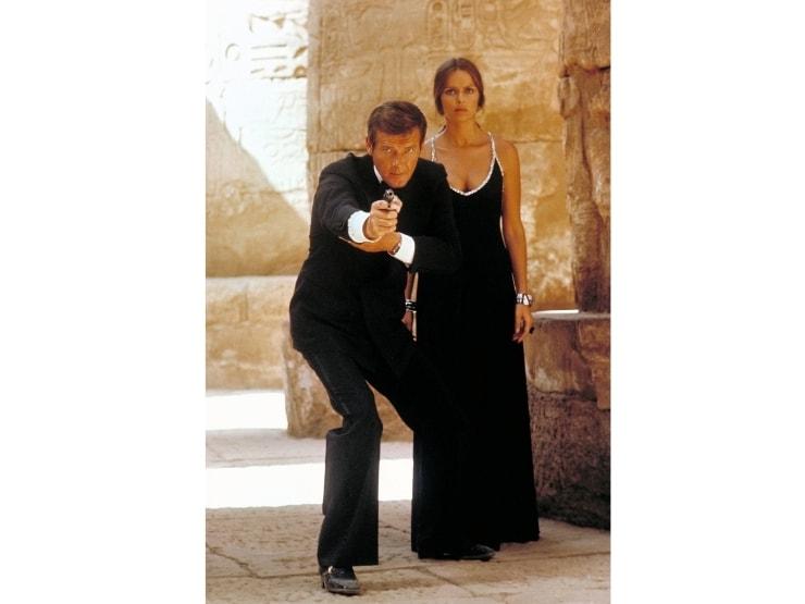 James Bond bond girl