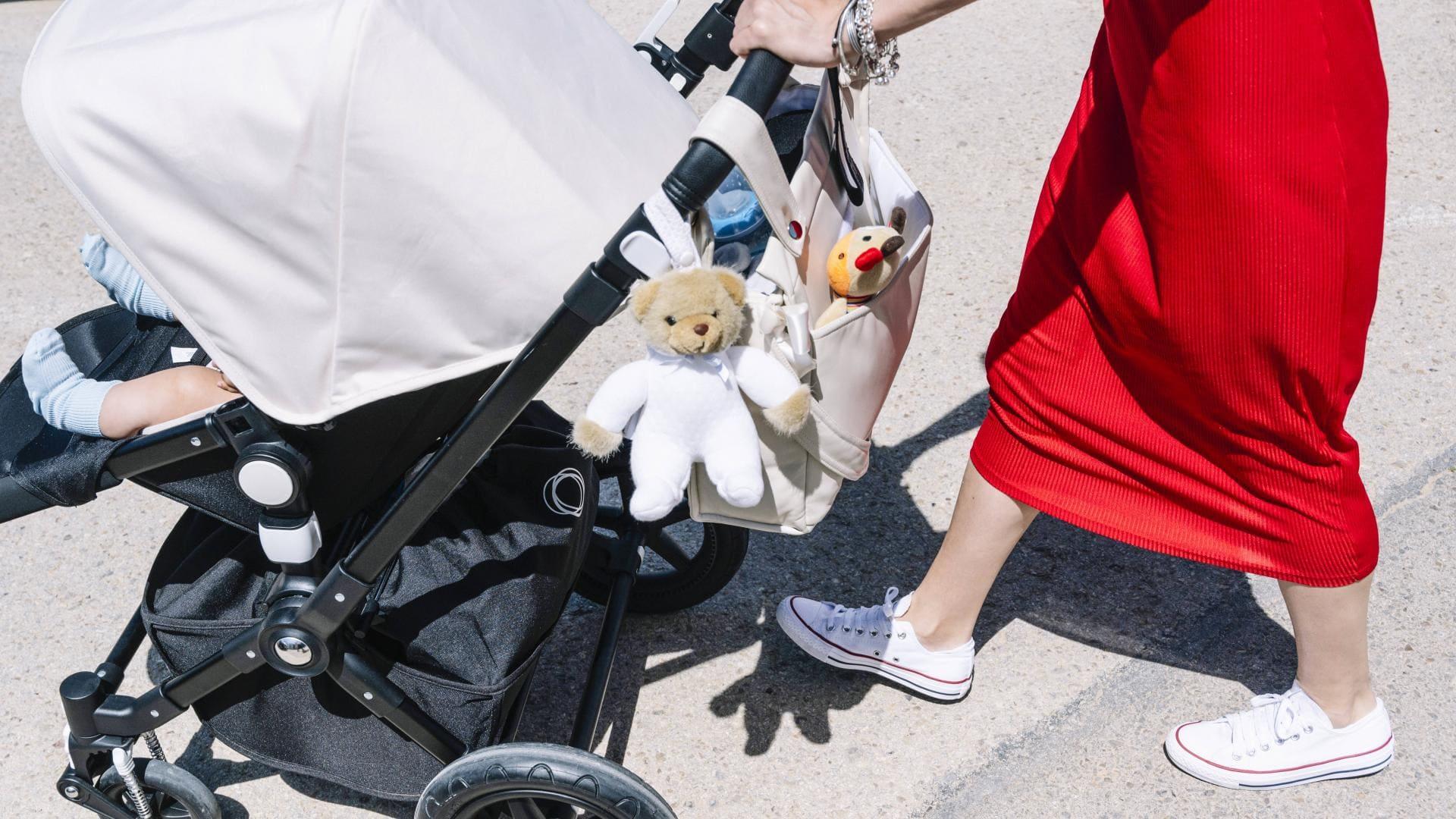 Frau Kinderwagen
