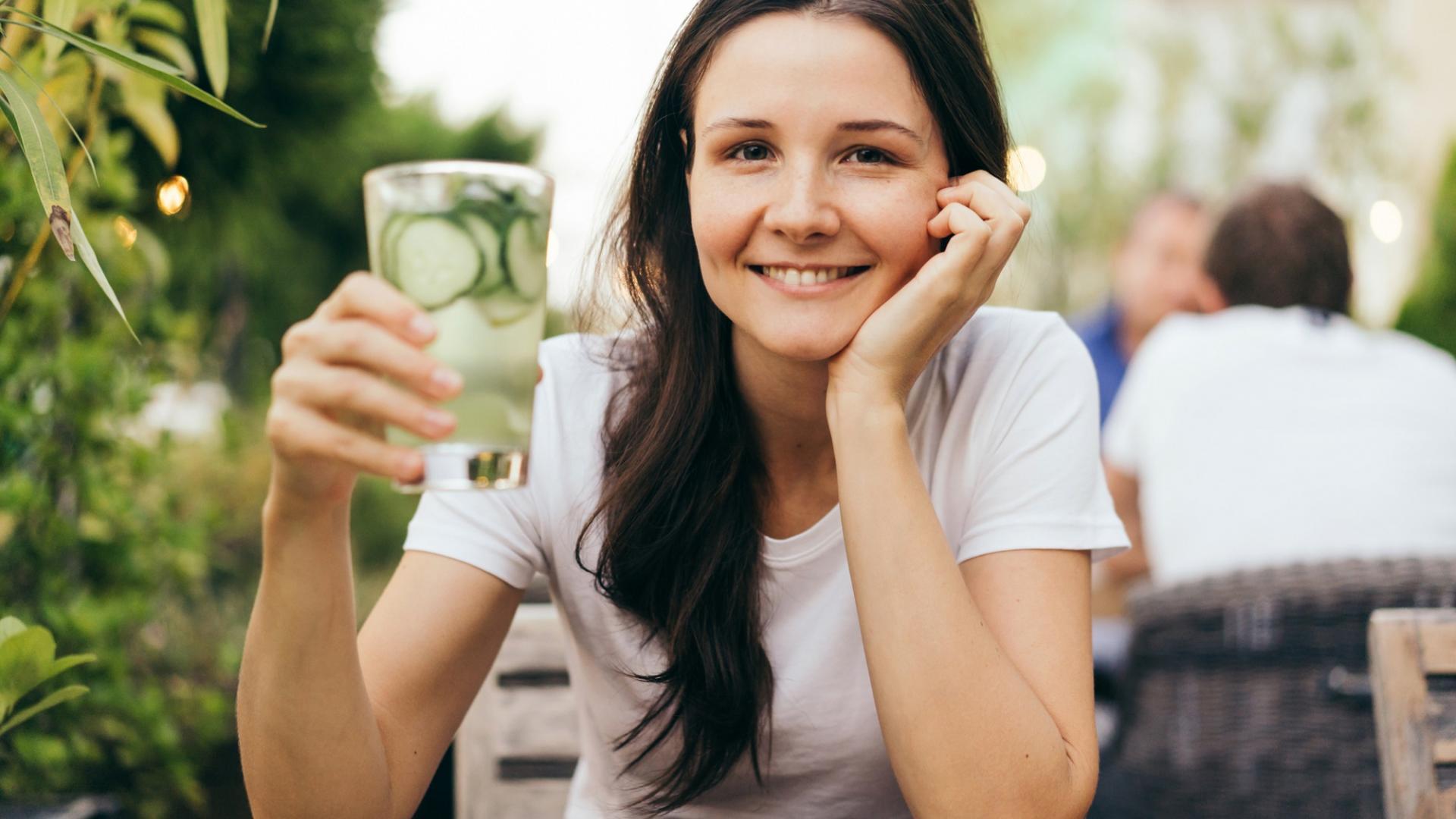 Frau, Glas, Wasser