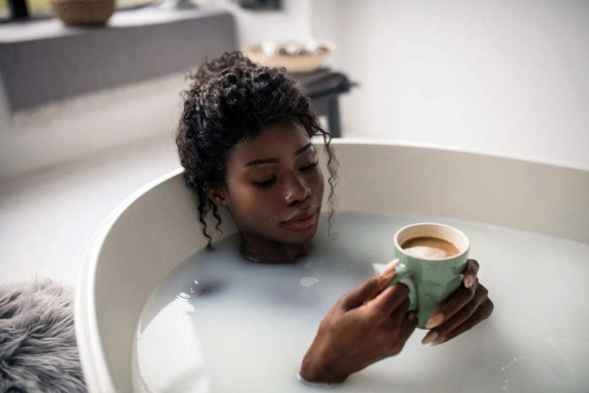 kaffee trinken abführend badewanne poc women