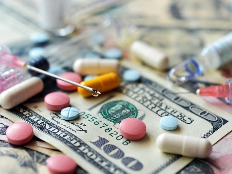 medikamente pillen spritze dollar geld