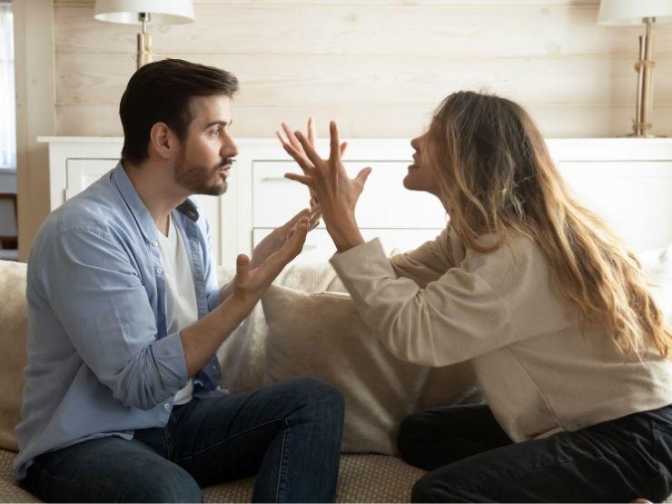 streit couple gestik hände