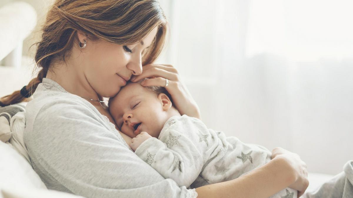 Nach der ersten Geburt finden sich Frauen in einer vollkommen neuen Rolle wieder.. © Alena Ozerova / Shutterstuck.com