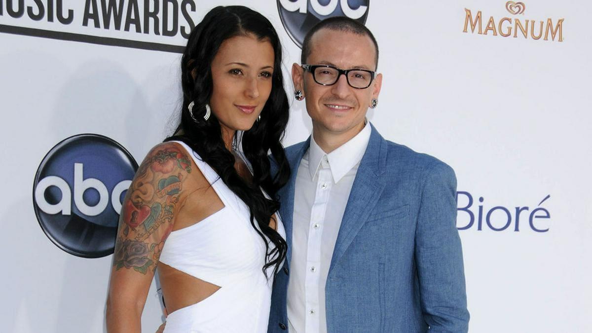 Talinda und Chester Bennington bei einer Preisverleihung im Jahr 2012.. © acepixs/ImageCollect