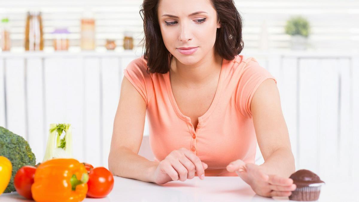 Heißhungerattacken bleiben in der Fastenzeit nicht aus.. © G-Stock Studio / Shutterstock.com