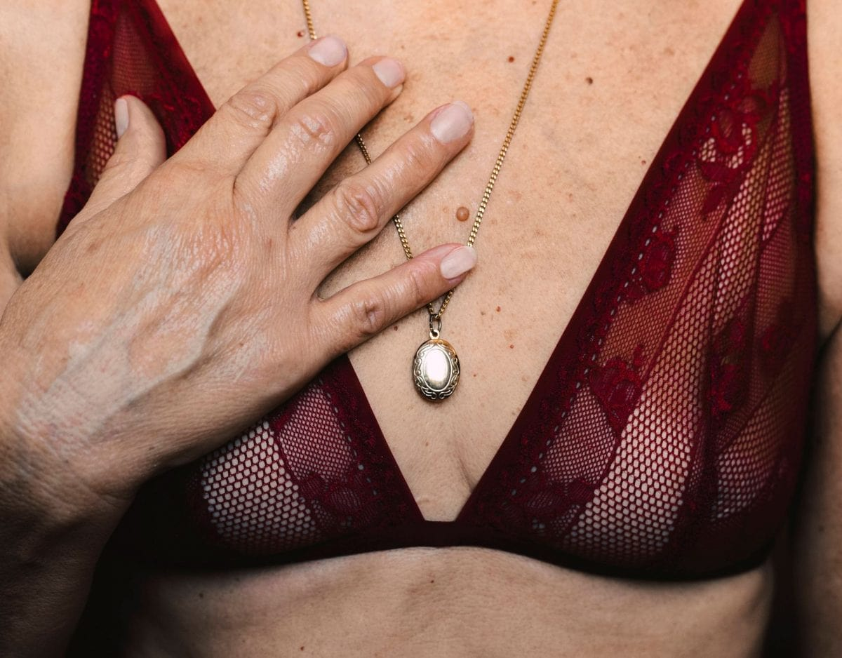 Mit nackte hängebrüsten frauen Pics von