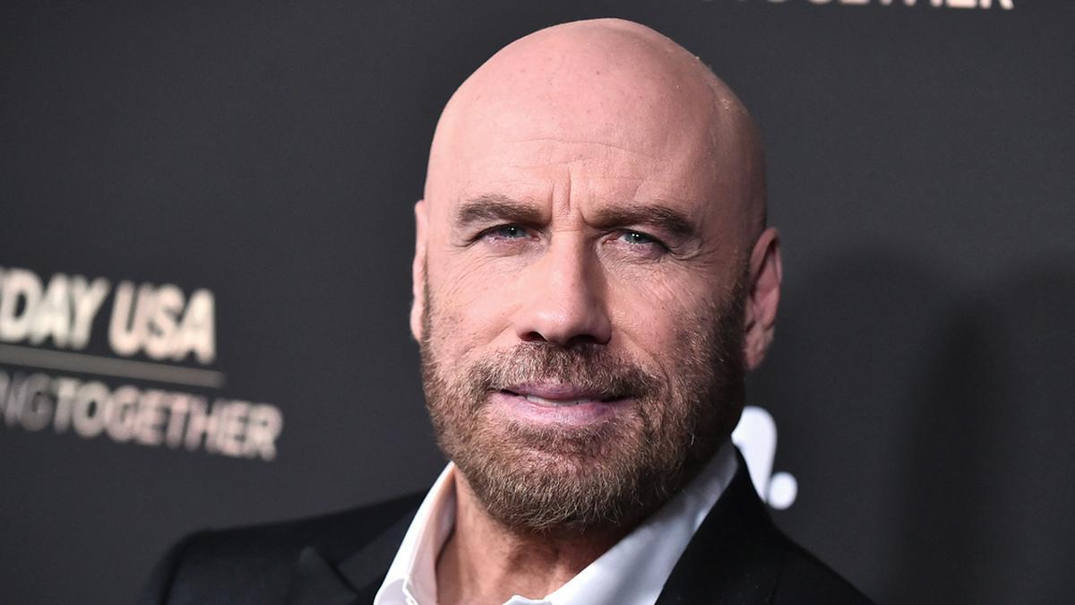 John Travolta Anfang 2020 auf dem roten Teppich. © DFree/Shutterstock.com