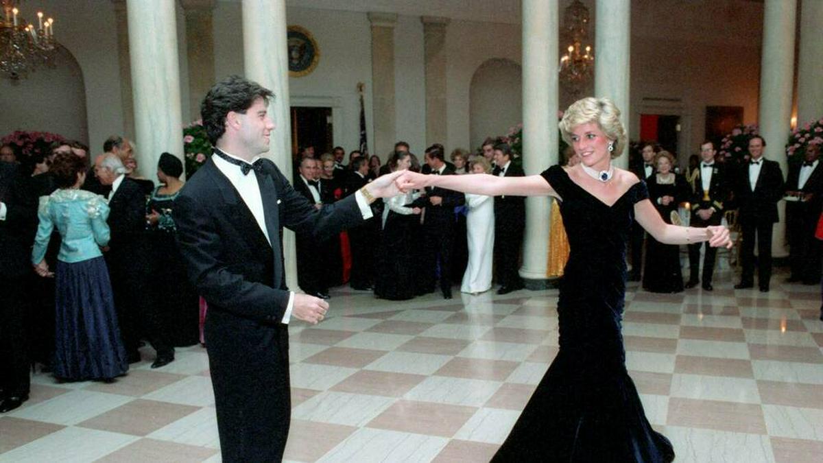 John Travolta und Prinzessin Diana bei ihrem Tanz 1985 im Weißen Haus. © imago images/ZUMA Press