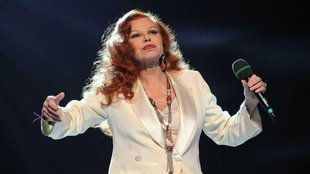 """Sängerin Milva bei ihrem Auftritt im """"Musikantenstadl"""" 2012. © imago images/Eventpress"""