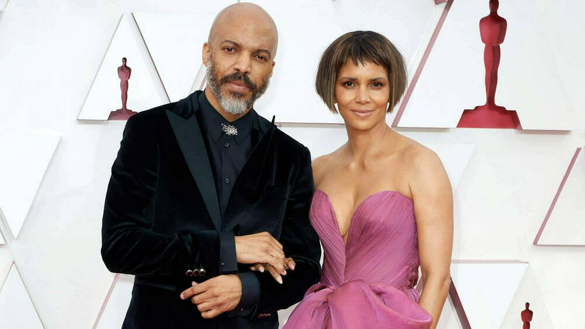 Halle Berry und ihr Partner Van Hunt bei den Academy Awards. © imago images/Cinema Publishers Collection