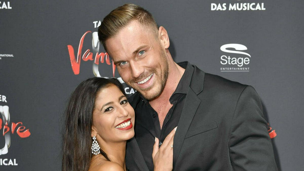 Das TV-Paar Eva Benetatou und Chris Broy lebt derzeit räumlich getrennt.. © imago images/Future Image