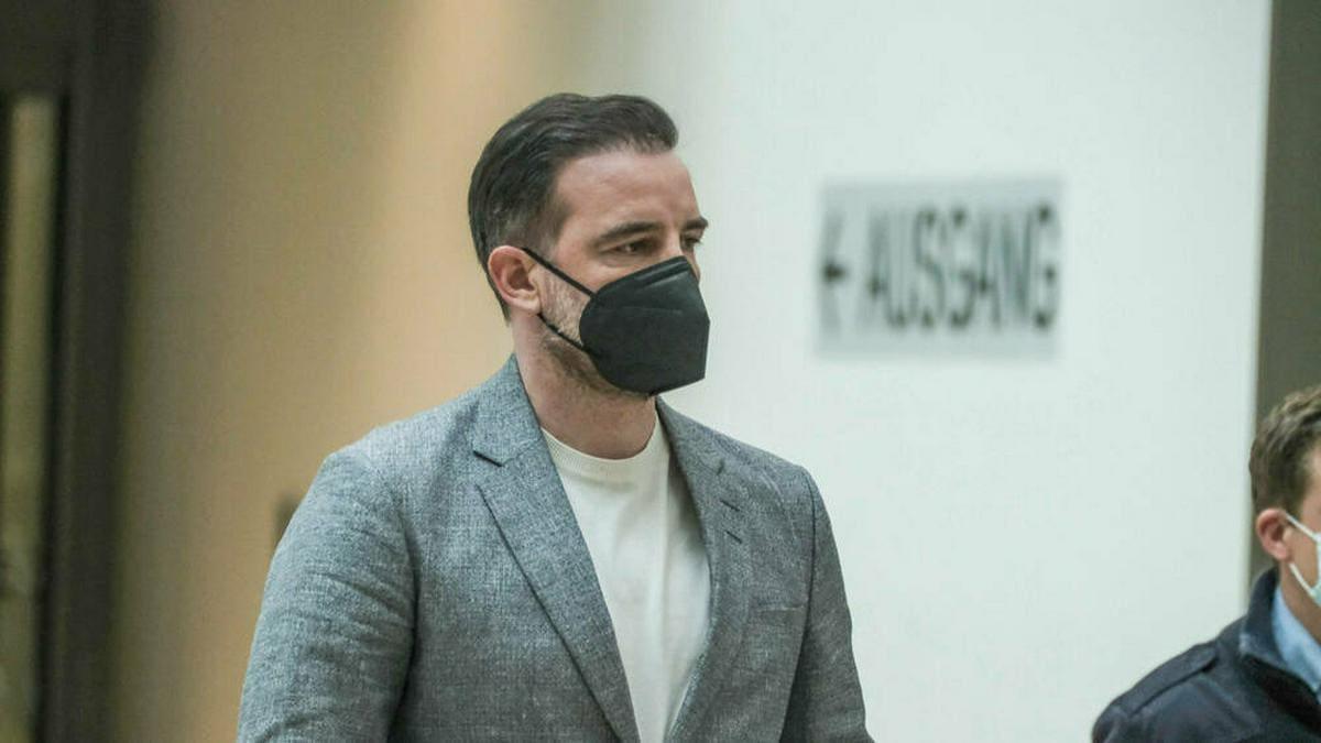 Christoph Metzelder am Prozesstag im Amtsgericht Düsseldorf. © imago images/Michael Gstettenbauer