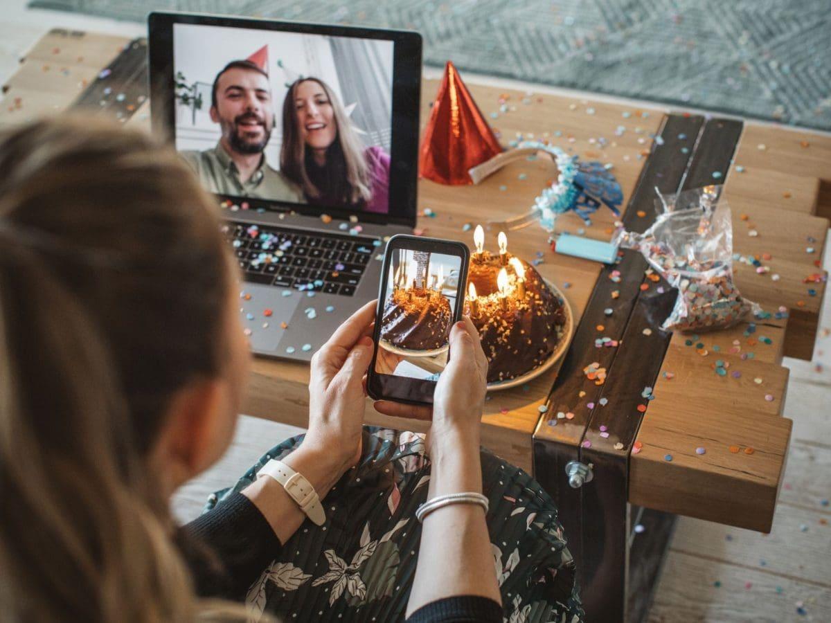 Muttertag WhatsApp feiern videokonferenz geburtstag