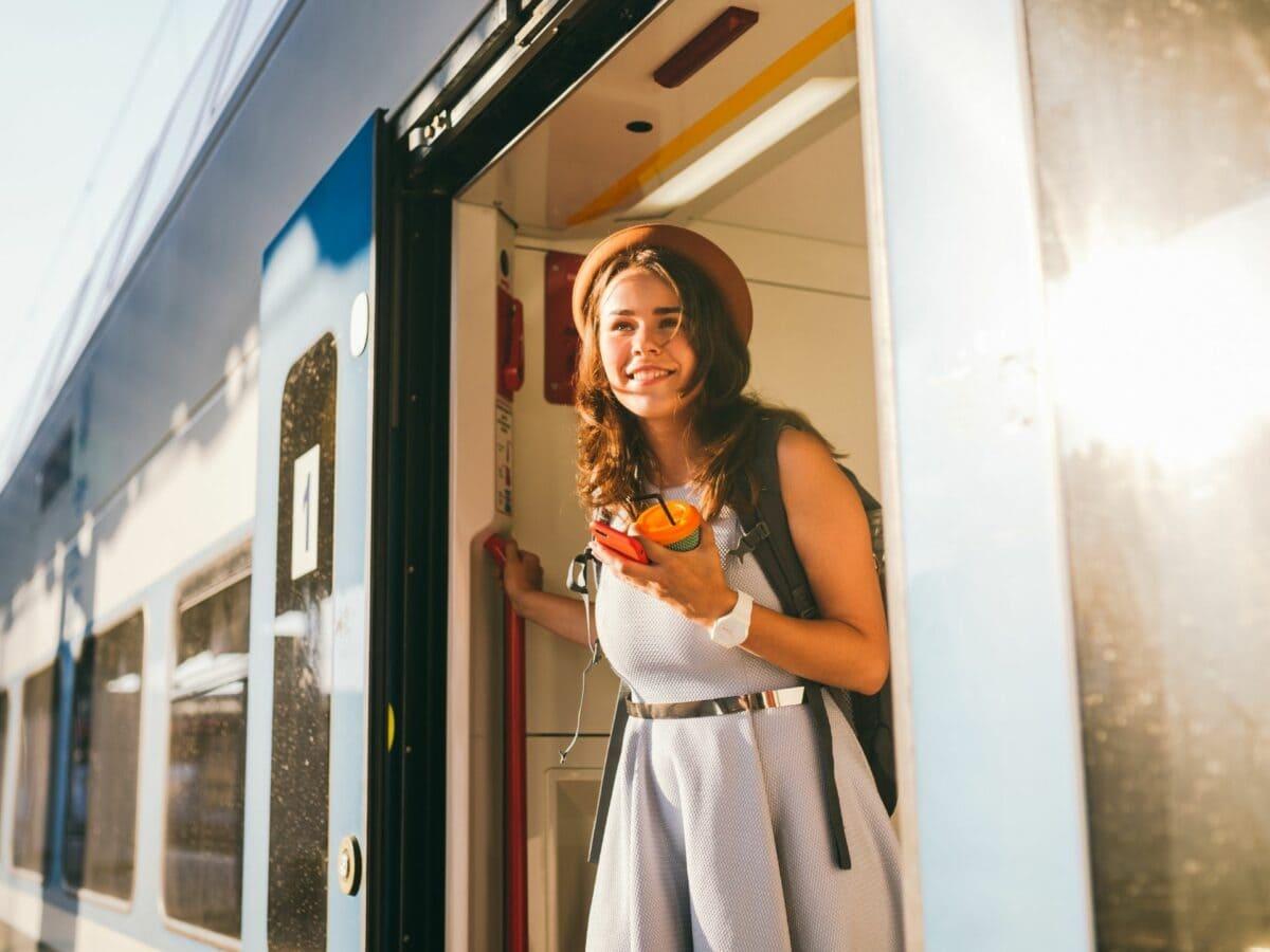 Zugreisen Frau Zug