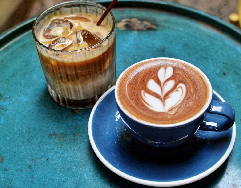 Latte Art Kaffee zubereiten Cappuccino Cold Brew