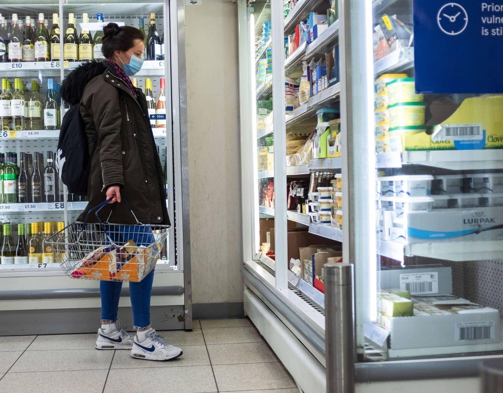einkauf supermart regal