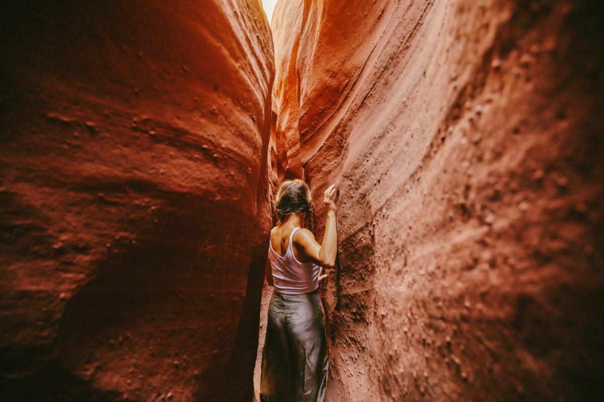 Wanderlust-Gen Frau in den Canyons