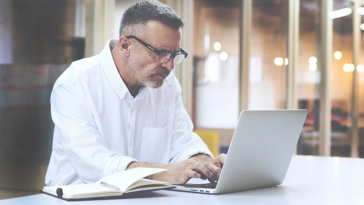 Gut 26 Prozent der Generation X haben Schwierigkeiten mit ihrem neuen Arbeitsalltag.. © GaudiLab/Shutterstock.com