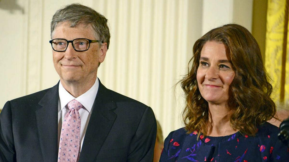 Microsoft-Mitgründer Bill Gates und seine Ehefrau Melinda Gates werden sich nach rund 27 Jahren Ehe scheiden lassen.. © imago images/MediaPunch