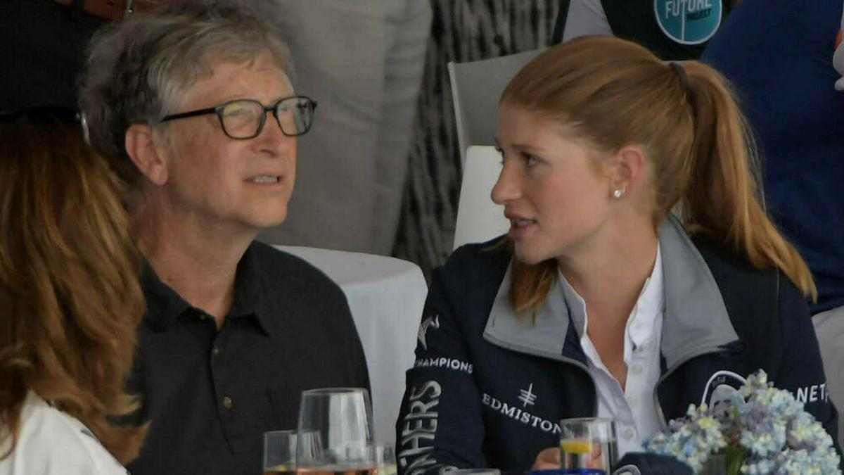Jennifer Gates mit ihrem Vater Bill Gates bei einem Reitturnier im April 2019.. © imago images/ZUMA Wire