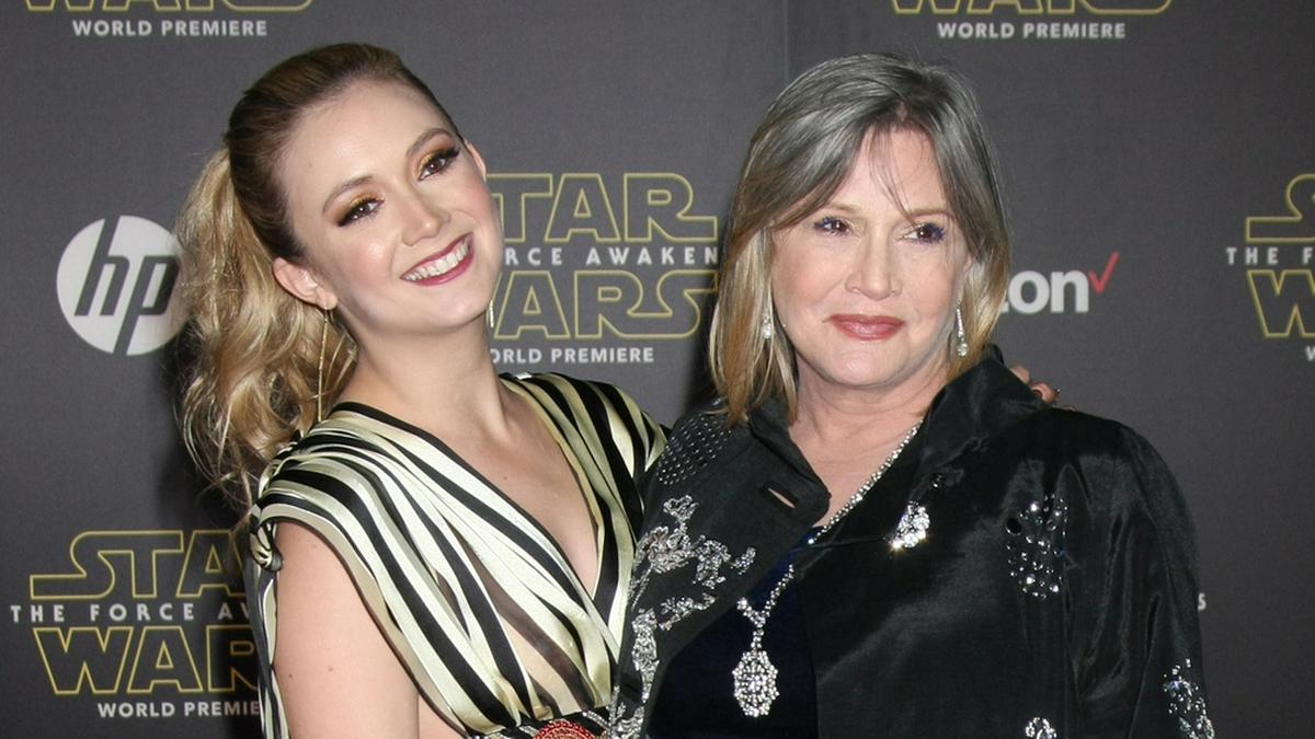 Billie Lourd (l.) und Carrie Fisher im Jahr 2015. © Kathy Hutchins/Shutterstock.com