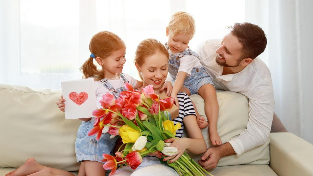 Blumen eigenen sich perfekt als Geschenk für den Muttertag.. © Evgeny Atamanenko / Shutterstock.com
