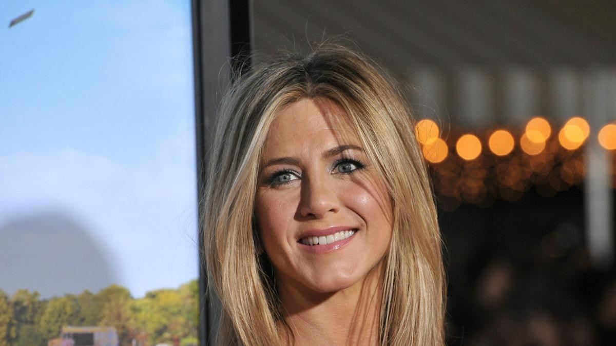 Jennifer Aniston hat bereits ihre zweite Corona-Schutzimpfung erhalten.. © Featureflash Photo Agency / Shutterstock.com