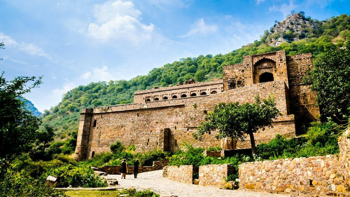 Die Ruinen von Bhangarh sollen verflucht sein.. © mrinalpal/Shutterstock.com