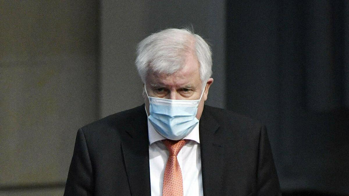 Bundesinnenminister Horst Seehofer hat sich mit dem Coronavirus infiziert.. © imago images/Future Image