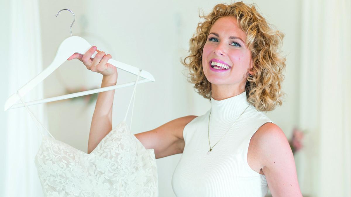 """Designerin Sanna Lindström ist regelmäßig in der VOX-Sendung """"Zwischen Tüll und Tränen"""" zu sehen und hat das Buch """"Die Brautflüsterin"""" geschrieben.. © Sanna Lindström/Eden Books"""