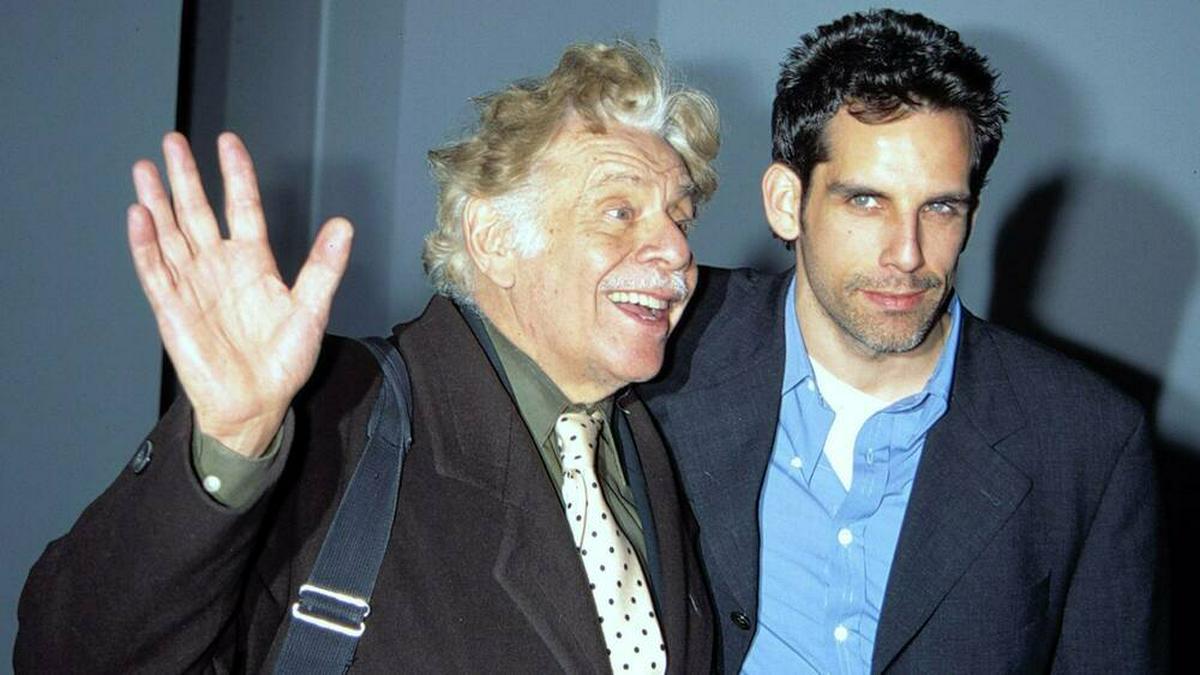 Ben Stiller (li.) zusammen mit seinem Vater Jerry im Jahr 1998. © imago images/MediaPunch