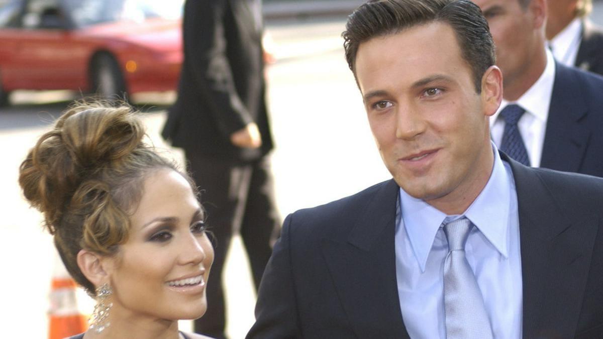 """Ben Affleck und Jennifer Lopez 2003 bei der Premiere ihres Films """"Liebe mit Risiko - Gigli"""".. © 2003 Paul Smith / Featureflash/ImageCollect"""