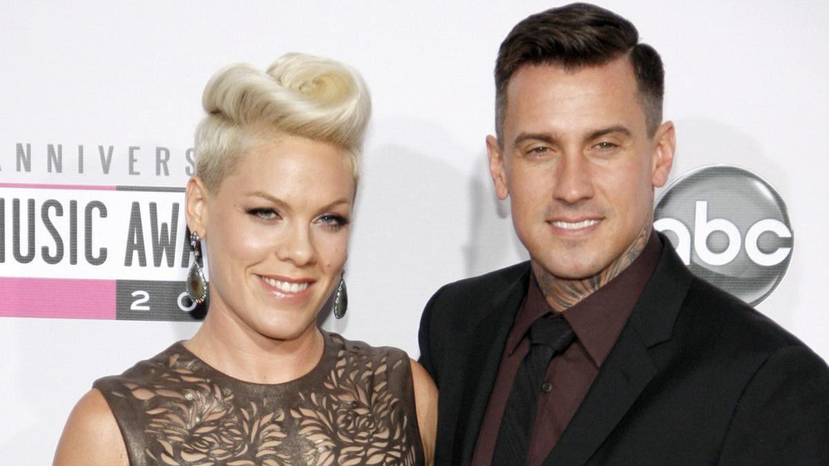 Gehen seit 15 Jahren als Ehepaar gemeinsam durchs Leben: Pink und Carey Hart.. © Tinseltown / Shutterstock.com
