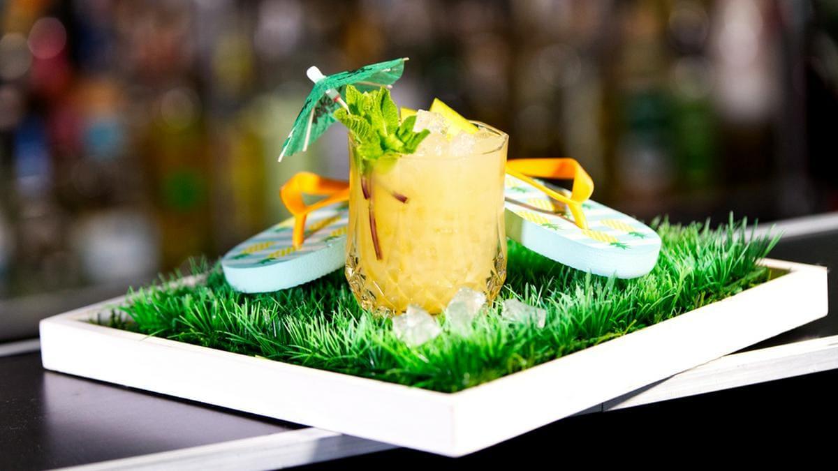 """Cocktails wie der """"Mai Tai"""" erfreuen sich auch im Corona-Lockdown großer Beliebtheit.. © Matthias Knorr / Barschule München"""