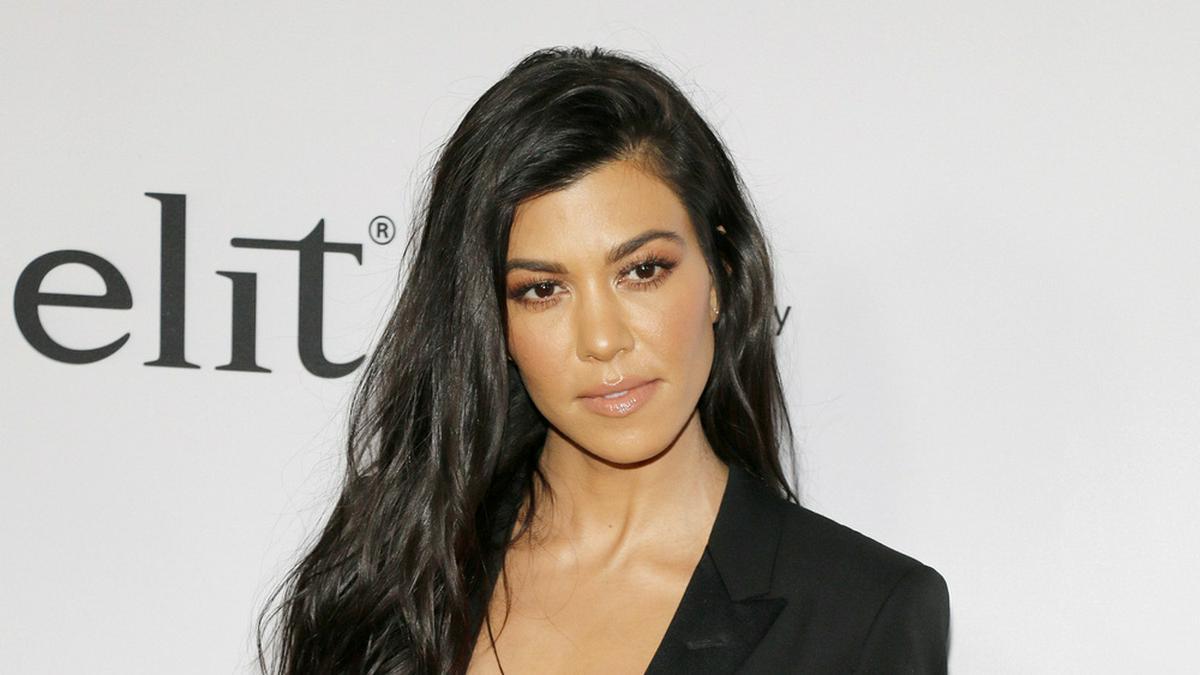Kourtney Kardashian kann offenbar passabel mit Tätowiernadeln umgehen.. © Tinseltown / Shutterstock.com