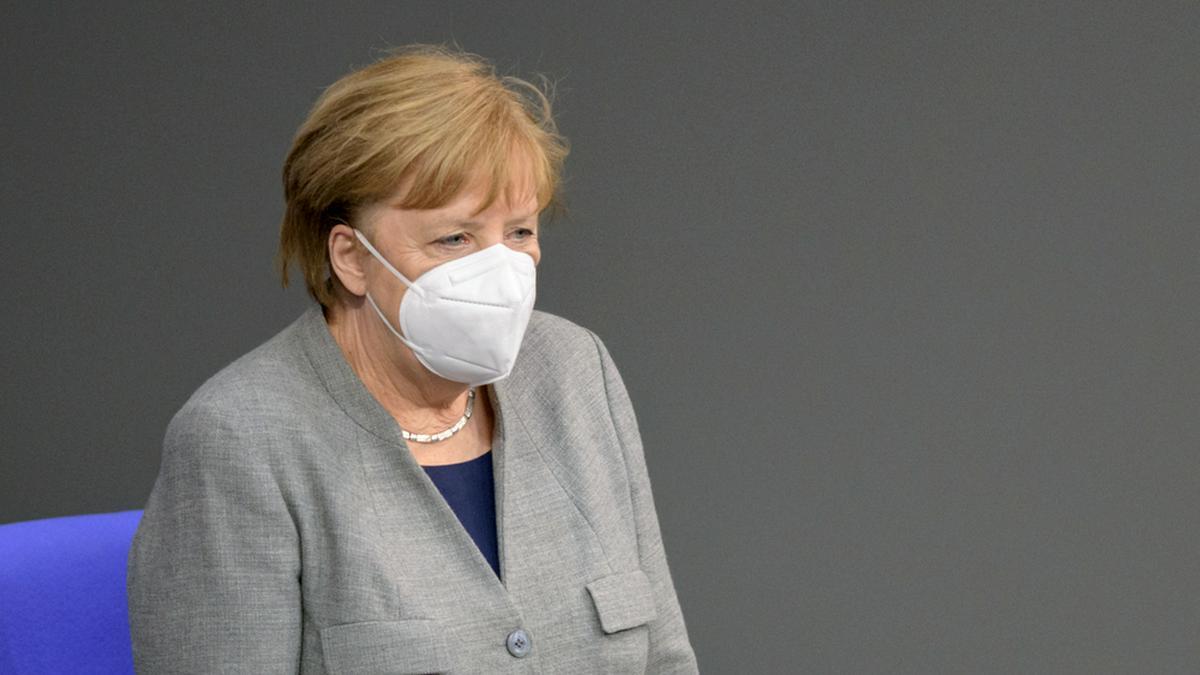 Bundeskanzlerin Angela Merkel will in Zukunft weniger reisen.. © photocosmos1 / Shutterstock.com